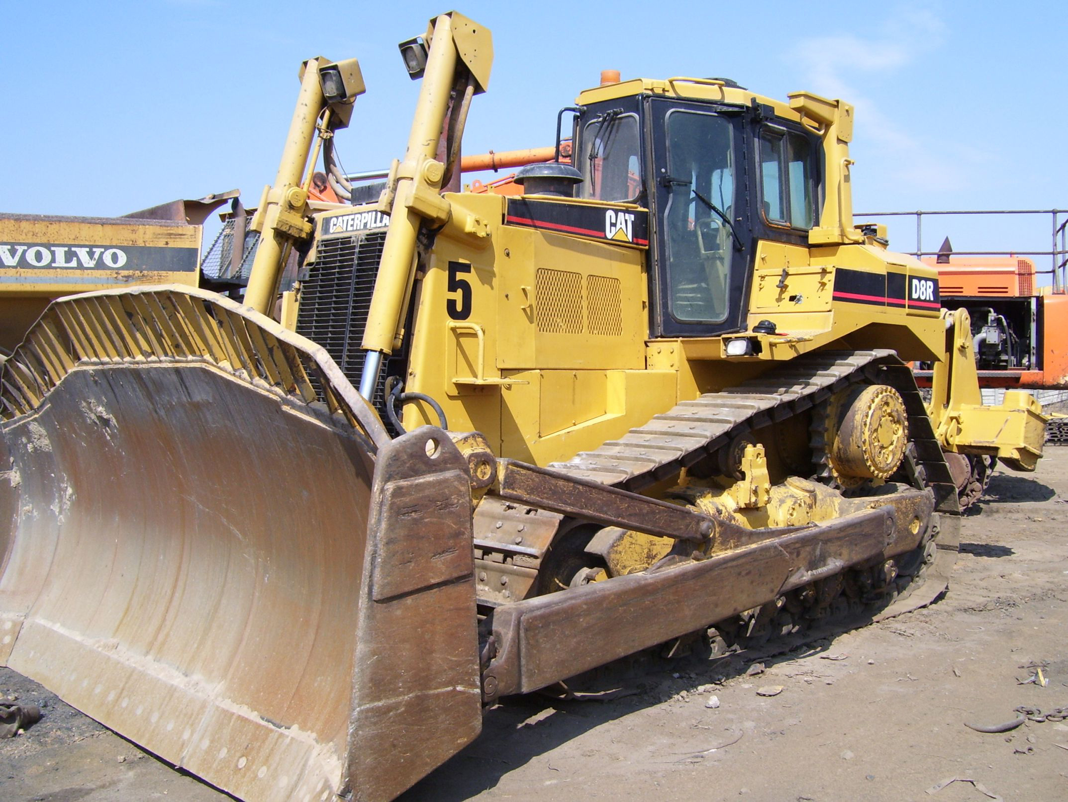 Massive Yellow Metal Online Auction
